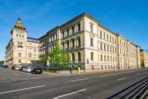 district-court-2390918_1920