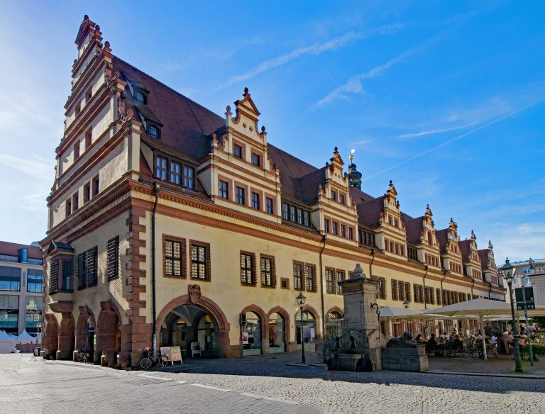 old-town-hall-2388597_1920